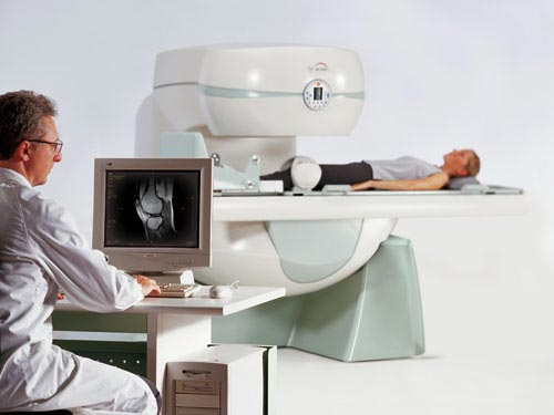 Like a traditional MRI, Bayside Standing MRI can take images lying down, but it's more patient friendly because it's not enclosed.
